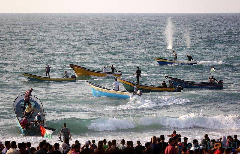 اصابات برصاص الاحتلال والاختناق في المسير البحري