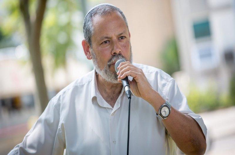 مسؤول إسرائيلي يدعو لطرد عائلات منفذي العمليات وهدم منازلها