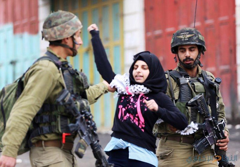 الاحتلال يحتجز طالبة قرب الحرم الابراهيمي