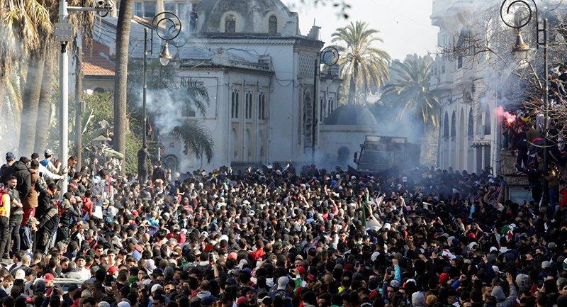 أمريكا تعلق على احتجاجات الجزائر: حق للشعب