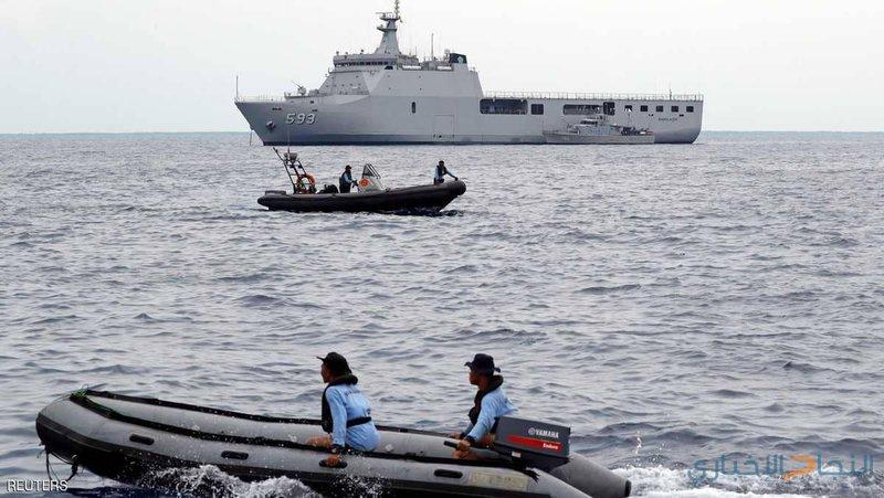 إشارات من عمق البحر بموقع سقوط الطائرة الإندونيسية