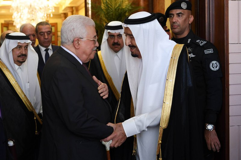 الشيخ: اجتماع الرئيس محمود عباس والملك سلمان كان حميما