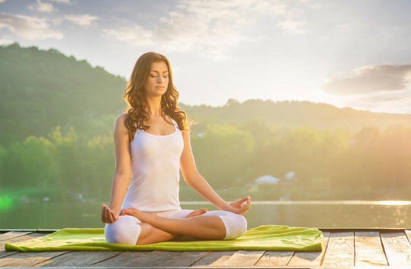 دراسة: ممارسة اليوغا تخفض ضغط الدم