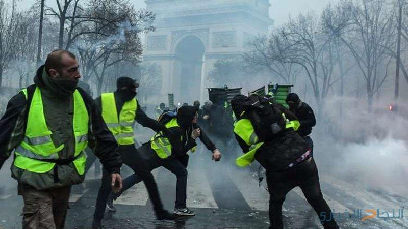"""30 مصابًا بمظاهرات """"السترات الصفراء"""" في باريس"""
