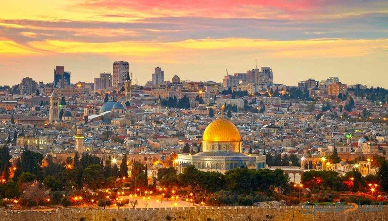 """بعد إعلان ترامب.. العالم: """"#القدس_عاصمة_فلسطين_الابدية"""""""