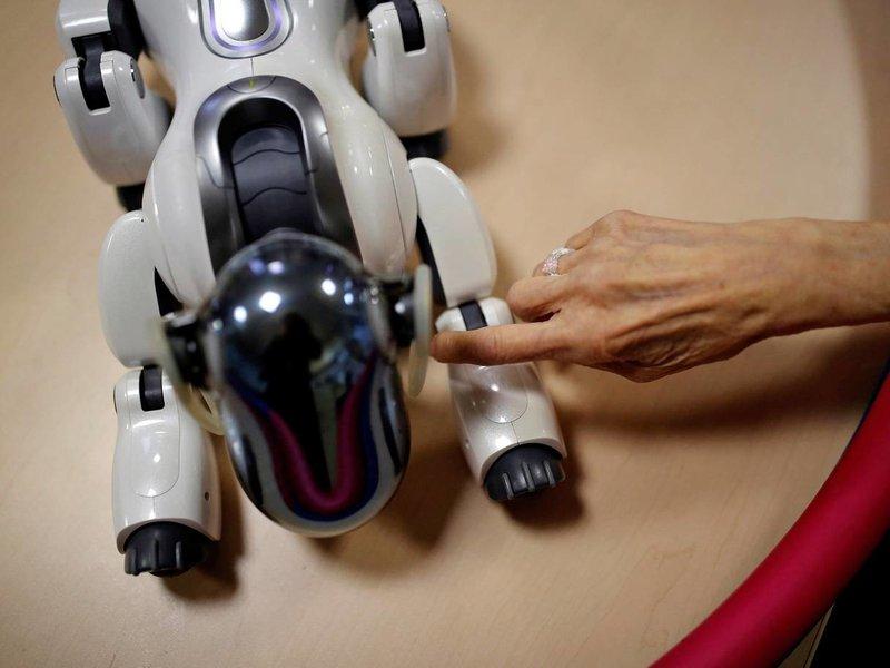 روبوت يبلغ مريضا في مستشفى أمريكي باقتراب أجله والعائلة مصدومة