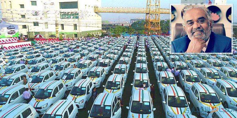 تاجر ألماس يوزع 600 سيارة على موظفيه!