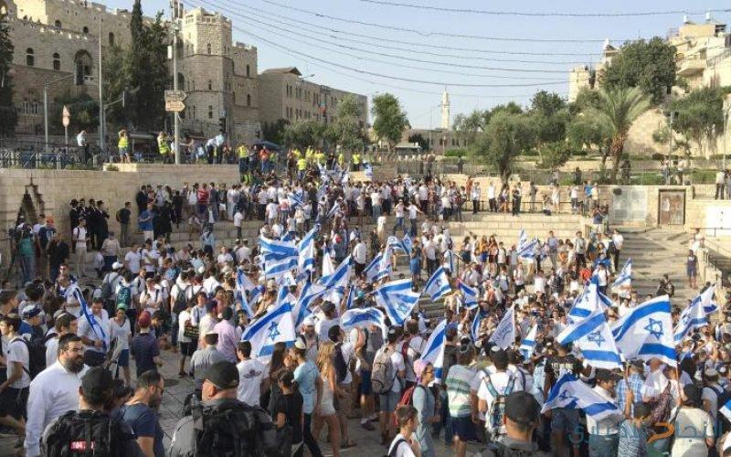 مستوطنون ينظمون مسيرة ضخمة حول الاقصى