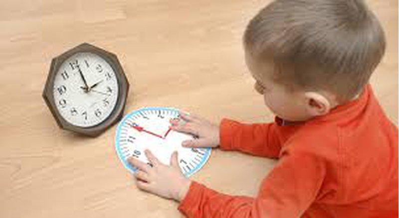 نصائح نفسية لتعليم طفلك إدارة الوقت منذ صغره