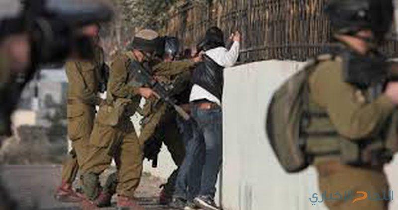 الاحتلال يستدعي رئيس لجنة أهالي أسرى القدس وشقيقه