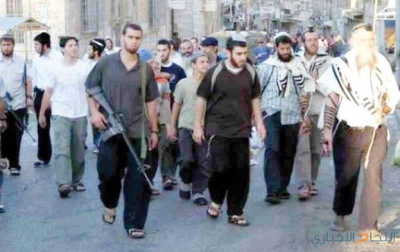 مستوطنون يعربدون قرب الحرم الابراهيمي في الخليل