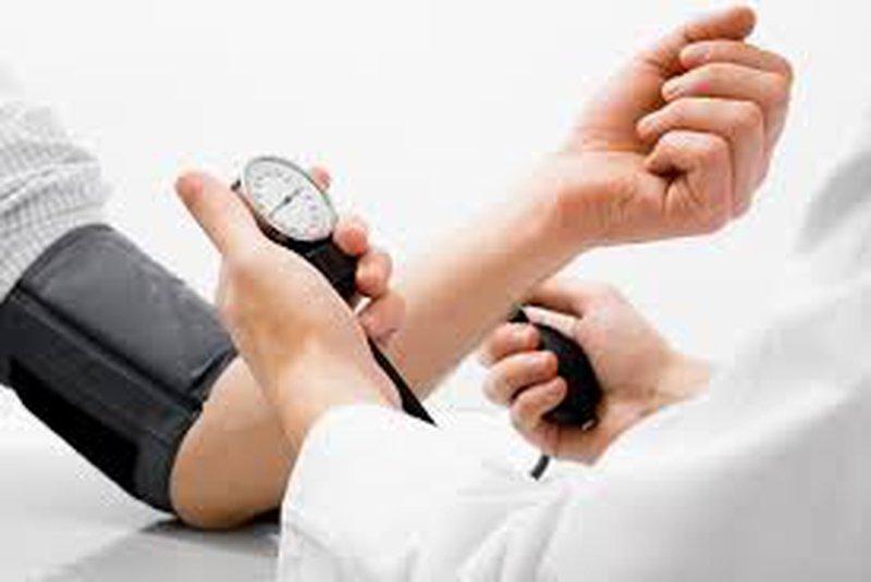 الأمور الواجب اتباعها لمن يعانون من ضغط الدم