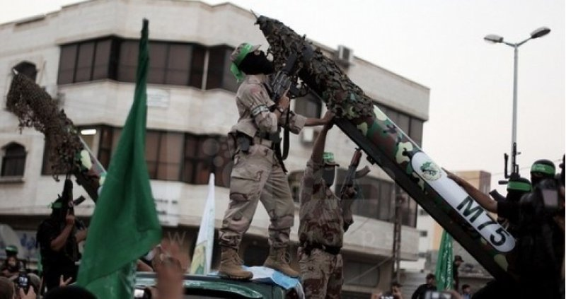 """الاحتلال يتهم حماس بإطلاق الصواريخ على """"تل أبيب"""""""