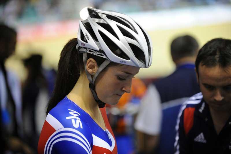 باحثون : الخوذة التقليدية لراكبي الدراجات لا تمنع إصابات الوجه