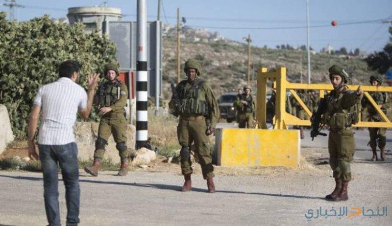 الاحتلال ينصب بوابة حديدية على مدخل دير أبو مشعل