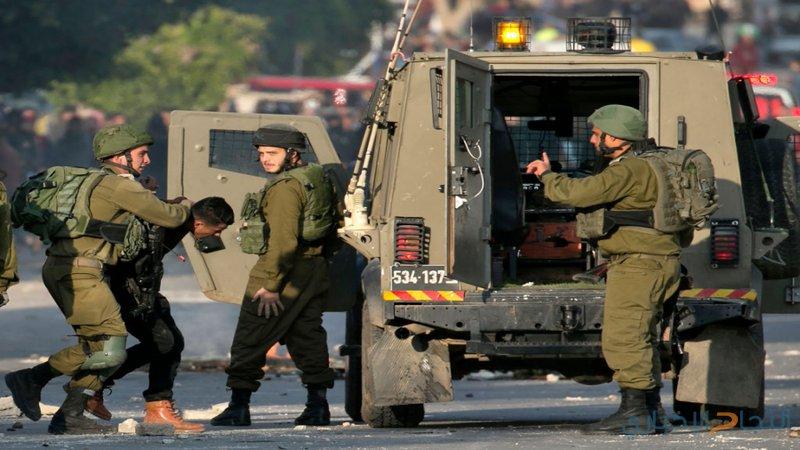 الاحتلال يعتقل 21 مواطناً بينهم طفلتان