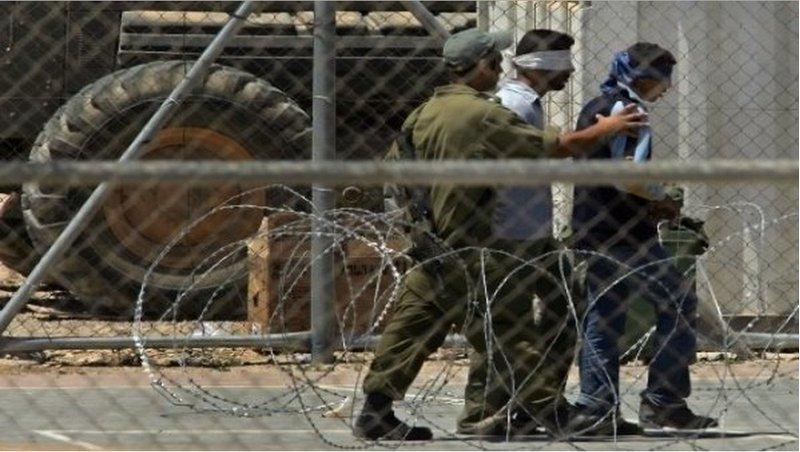 الاحتلال يصدر أوامر اعتقال إداري بحق 38 معتقلًا
