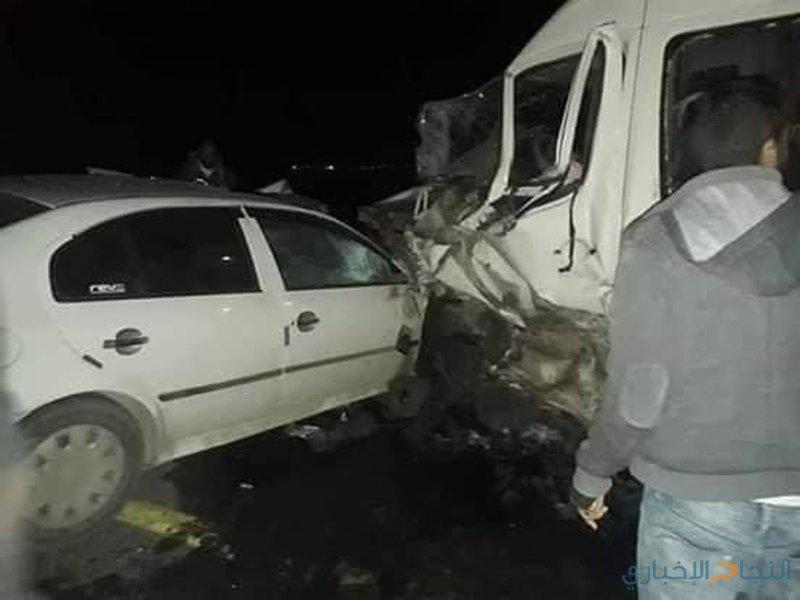 وفاة شاب وإصابة (20) عامل في حادثي سير جنوب الخليل