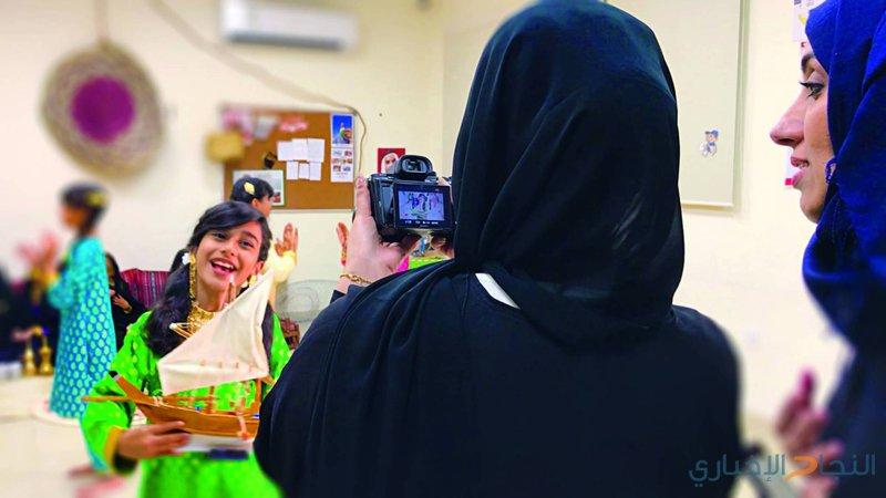نهلة الفهد تدعم المواهب الشابة في يوم الإمارات