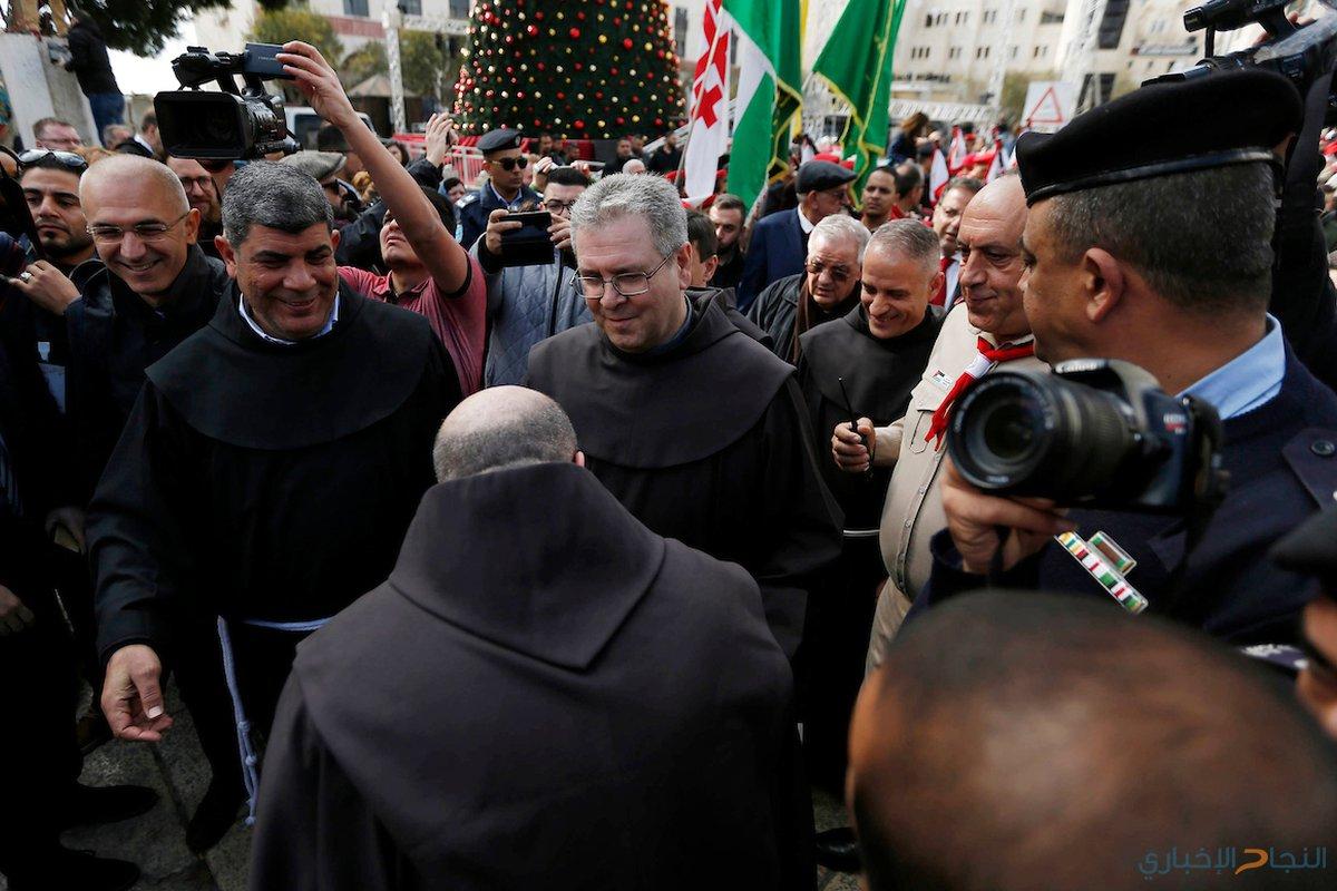 حارس الأراضي المقدسة الأب فرانكوستو باتون الأب يصل لقيادة كنيسة المهد في مدينة بيت لحم بالضفة الغربية في 1 كانون الأول / ديسمبر 2018.