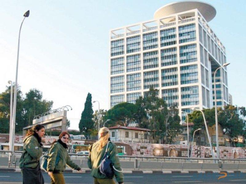 قيادة قوات الاحتلال تنتقل للمخبأ السري الجديد