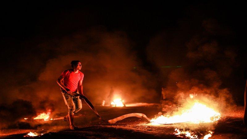 وحدة الارباك الليلي تواصل مشاغلتها لقوات الاحتلال وسط القطاع