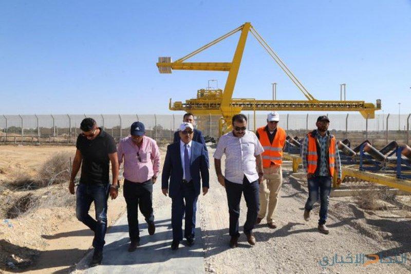 الحساينة يتفقد الإصلاحات في معبر كرم أبو سالم