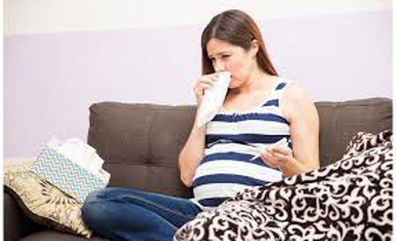 دراسة: إصابة الحامل بالانفلونزا يرفع خطر إصابة الطفل بالاكتئاب
