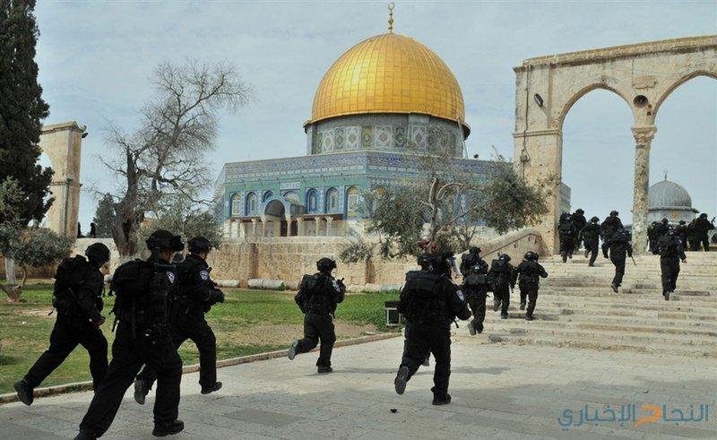 50 مستوطنا يقتحمون المسجد الأقصى