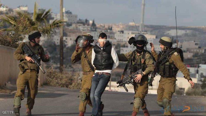 اعتقالات بمداهمات ليلية بالضفة الغربية