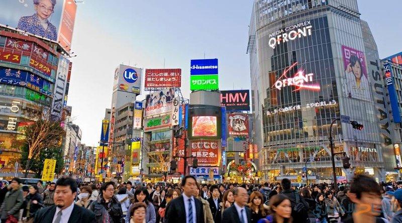 اليابان تتجه لإتاحة مئات آلاف فرص العمل للأجانب
