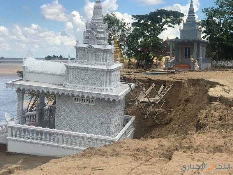 مياه الأمطار تجرف معبدا  بوذيا في كمبوديا