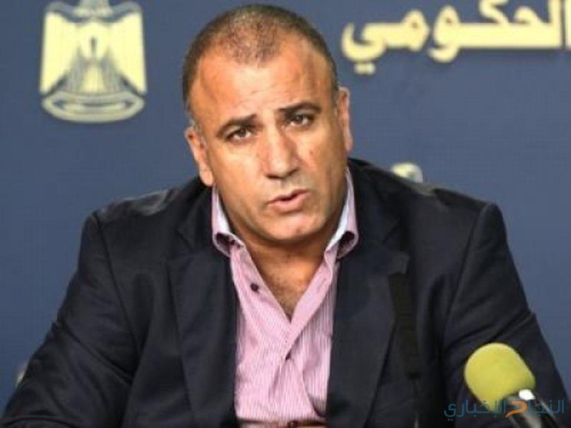 أبو بكر يطلع قطامي على خطة بلدية يعبد التنموية